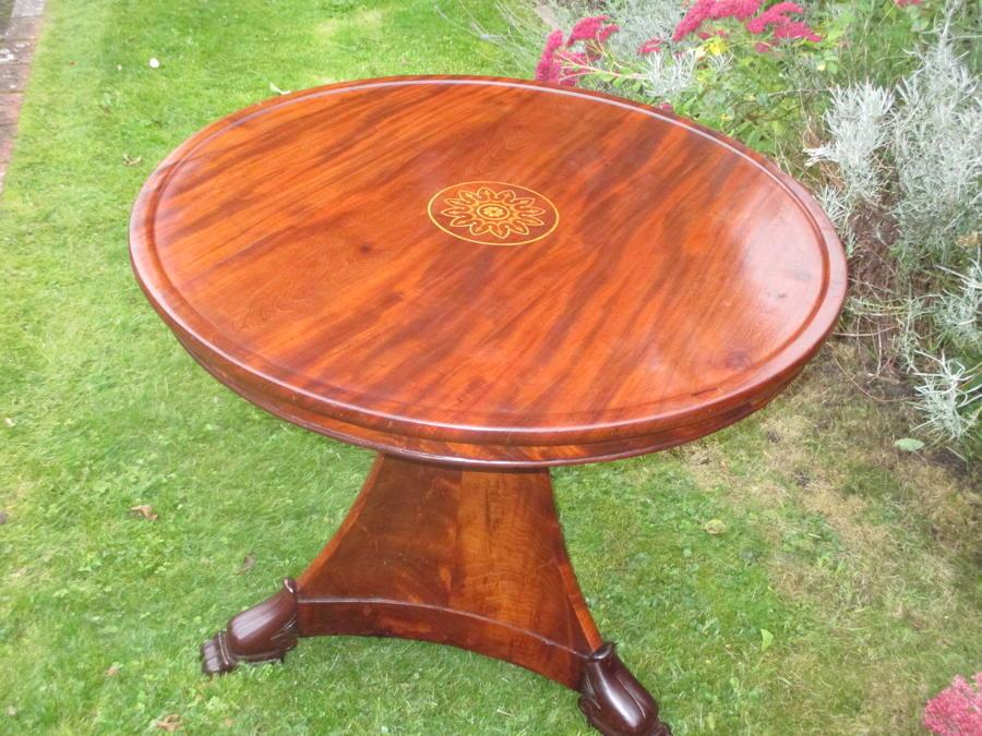Inlaid mahogany Gueridon