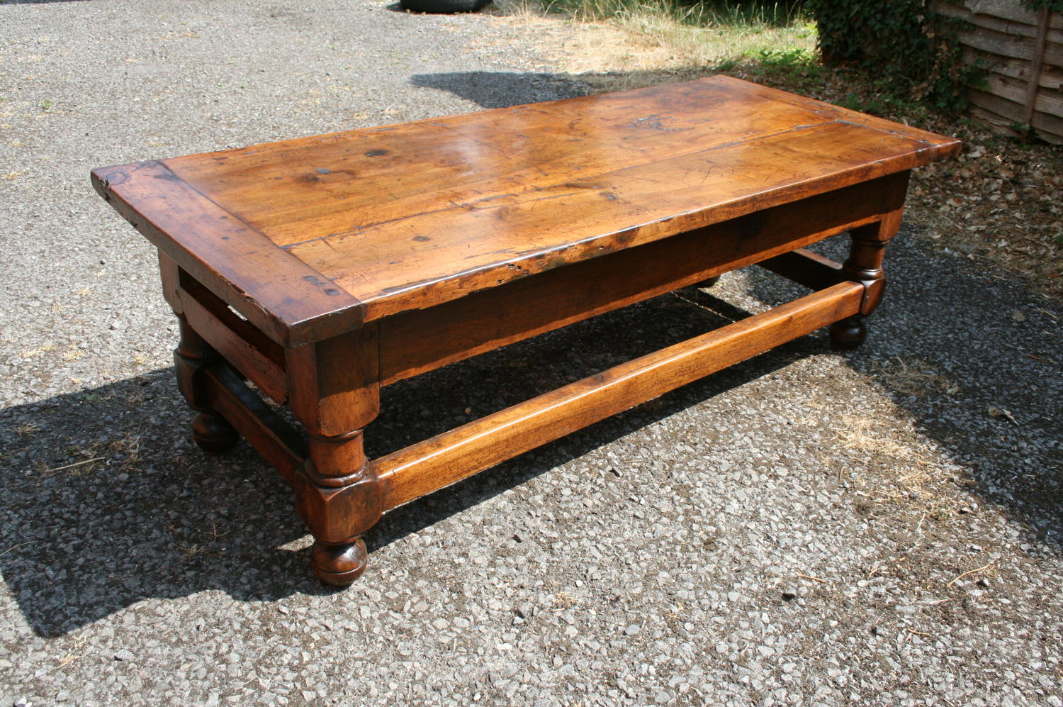 Super colour walnut 18th coffee table