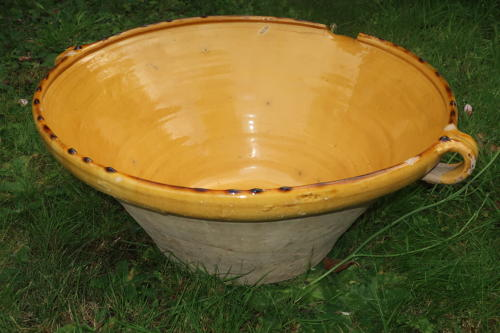 A very large Biot cream or milk bowl