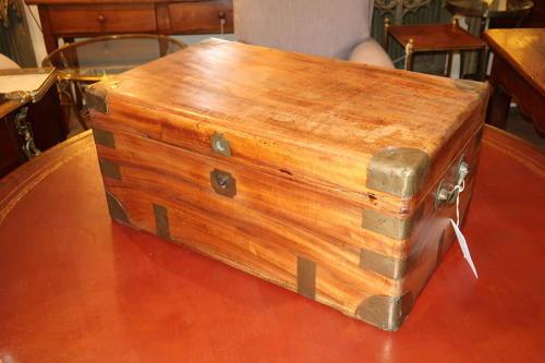 Small camphorwood box