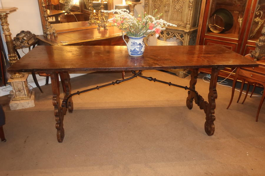 18th Century Spanish dining table