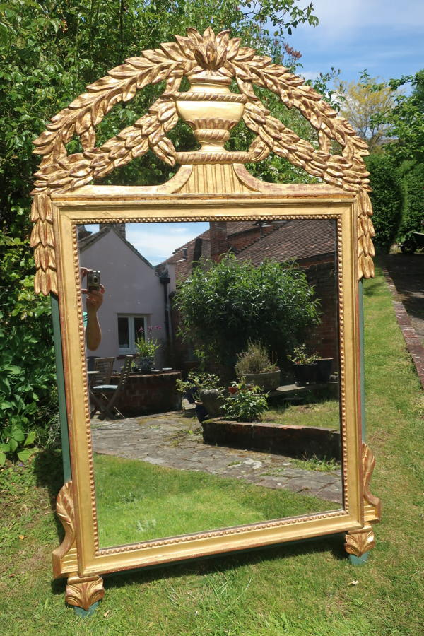 Gilt carved wood mirror