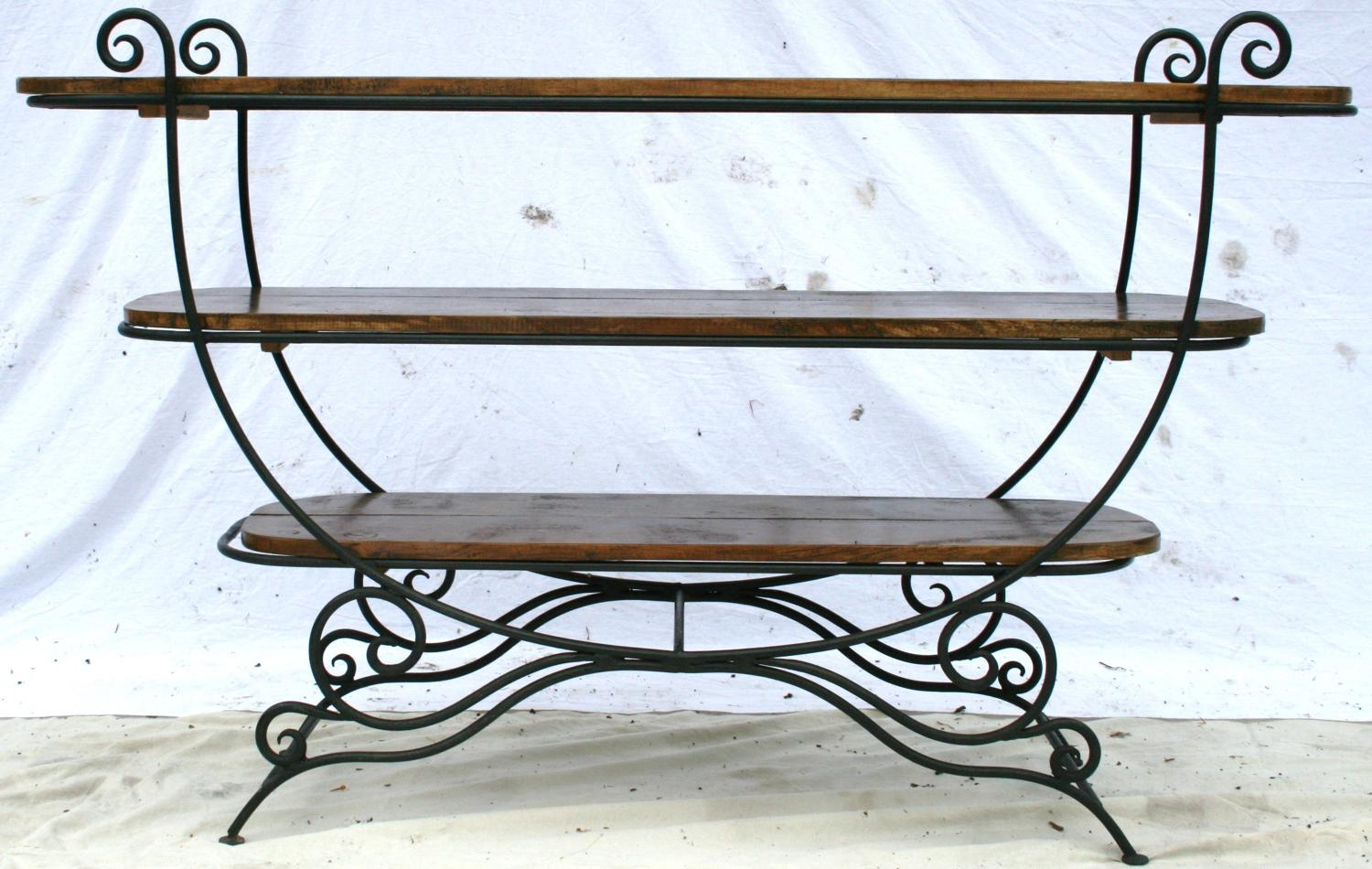 French bakers display table