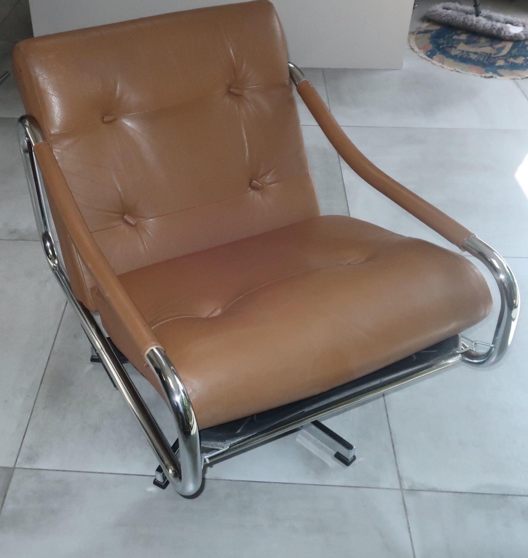 Pieff Beta swivel chair