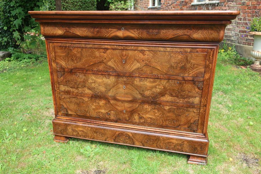 Figured walnut Louis Philippe commode