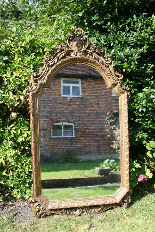 Italian carved wood gilt mirror