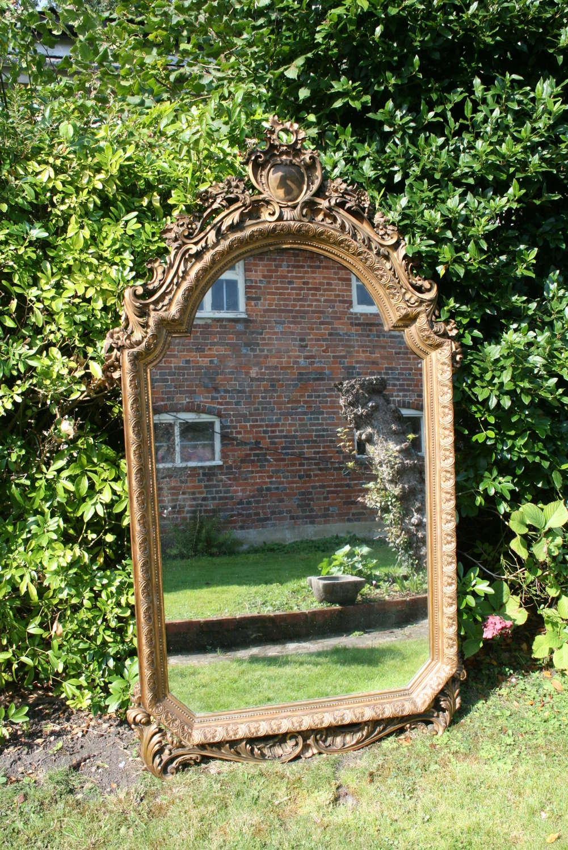 Italian carved wood gilt mirror