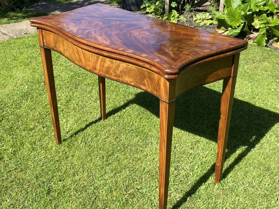 18th Century Serpentine fronted card table in mahogany